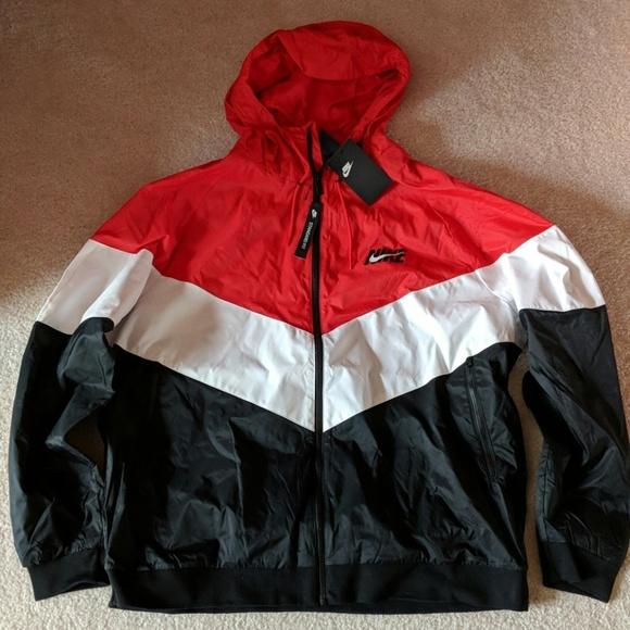 98832d376f53 NWT. Men s Nike Windrunner Jacket